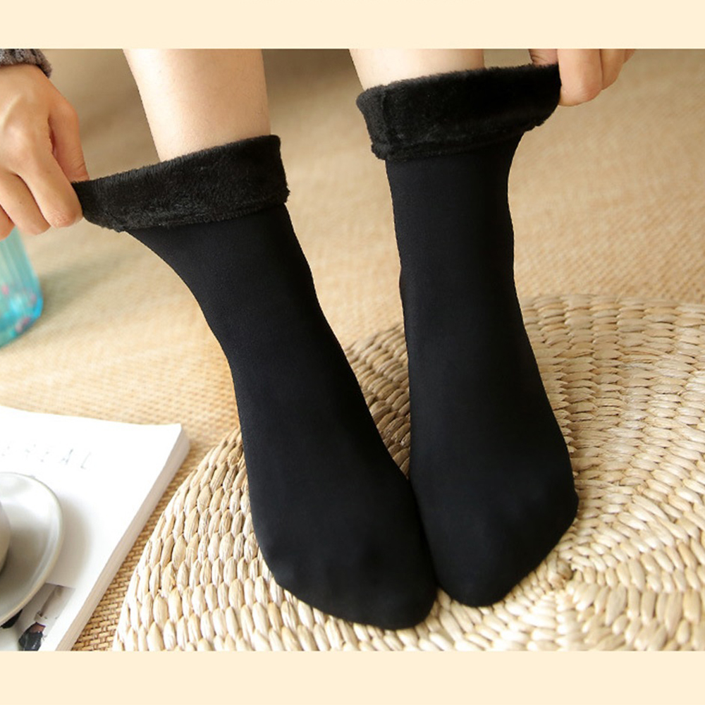 Winter Thickening Ladies Socks Casual Plus Velvet Tube Cotton Socks Autumn Wild Ladies Naked Socks Solid Color Warm Snow Socks
