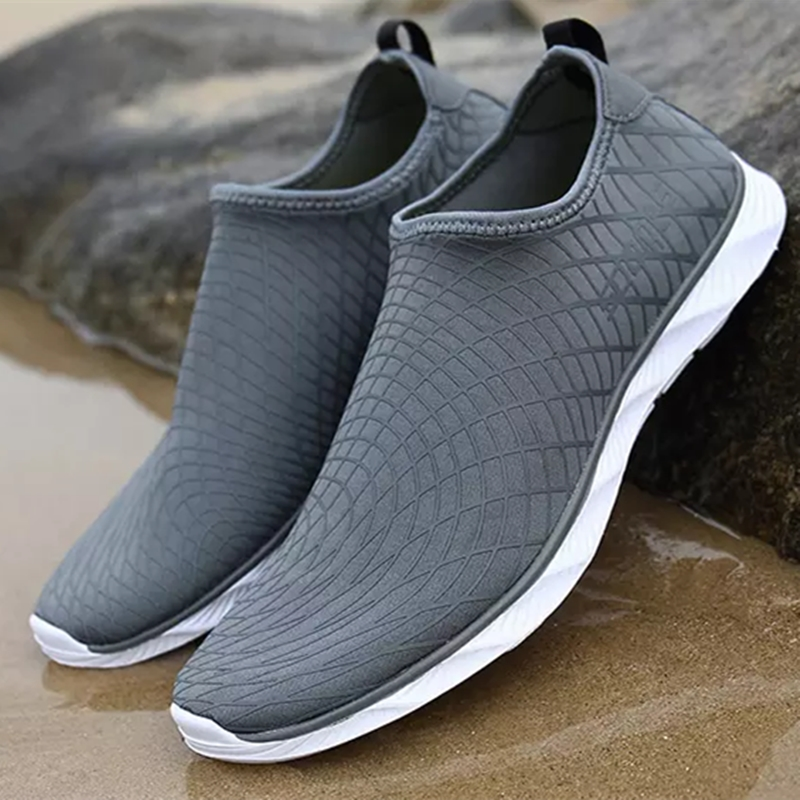 Men's Sports Shoes Water Shoes Summer Beach Quick Drying Breathable Sneakers Couple Swimming Shoes Comfort
