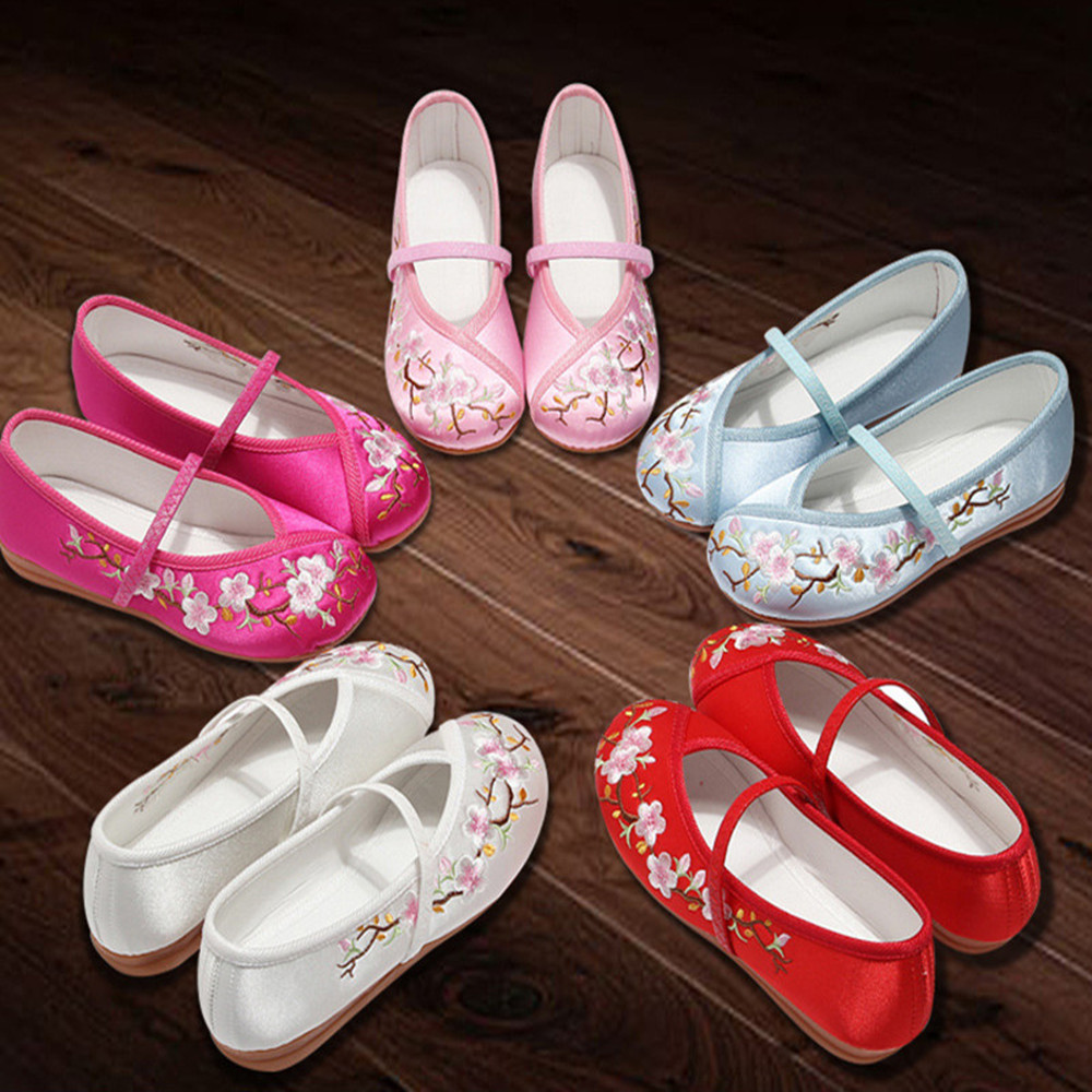 Chinese Style Kids Shoes Girls Dancing Shoes Embroidered Casual Comfortable Children Flats Princess Shoes Spring Summer