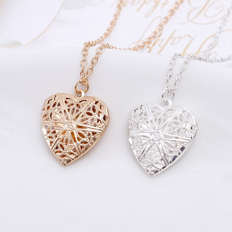 Heart Necklace Can Play Open Small Photo Korean-style Hollow Out Women's Eyelet Heart Shape Photo Box Necklace