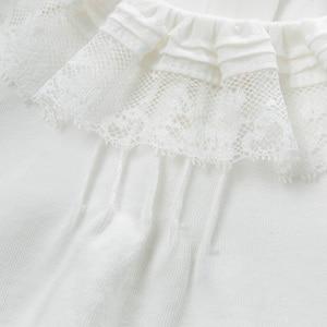 Image 4 - DB13789 dave bella frühjahr baby mädchen nette solide spitze brief shirts säuglings kleinkind tops kinder hohe qualität kleidung
