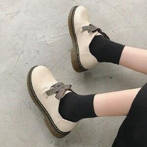 Brytyjskie płaskie skórzane buty 2020 jesienne nowe jednoetapowe pojedyncze buty miękka podeszwa retro wszystkie mecze damskie buty
