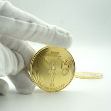 цена на Young Michael Jackson Gold Plated Coins Metal Commemorative The King Of Pop Music Stars  Anniversary Gift Pop Collectible Coins