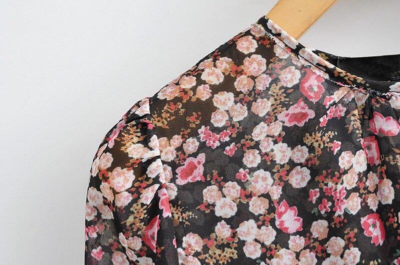 Floral Print Pleated Long Sleeve O Neck Loose Boho Dress 4