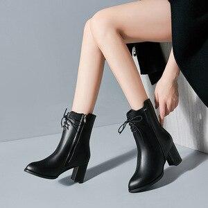Image 1 - Classics Fashion Vrouwen Mid Kuit Laarzen Cross gebonden Solid Vintage Winter Laarzen Ronde Neus Med Plus Size Schoenen