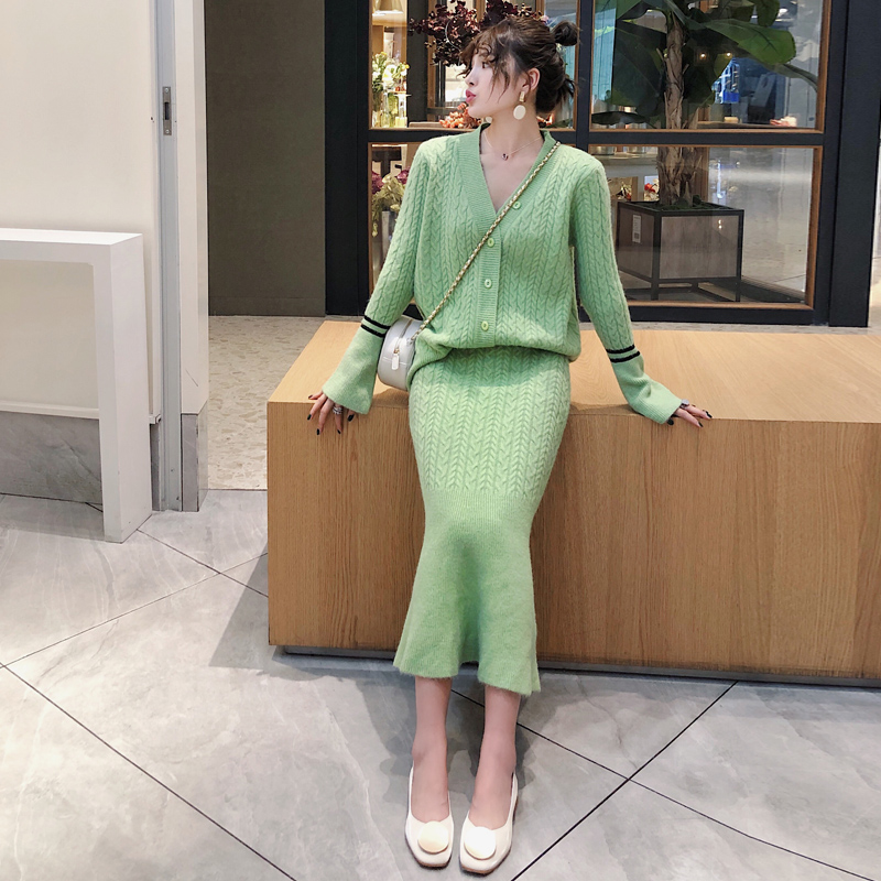 Knitted Women Two Piece Skirt Sets Suits Long Sleeve Cardigan And Mermaid Skirt Outfits Lady Runway Knitting Skirt Suits 2019 41