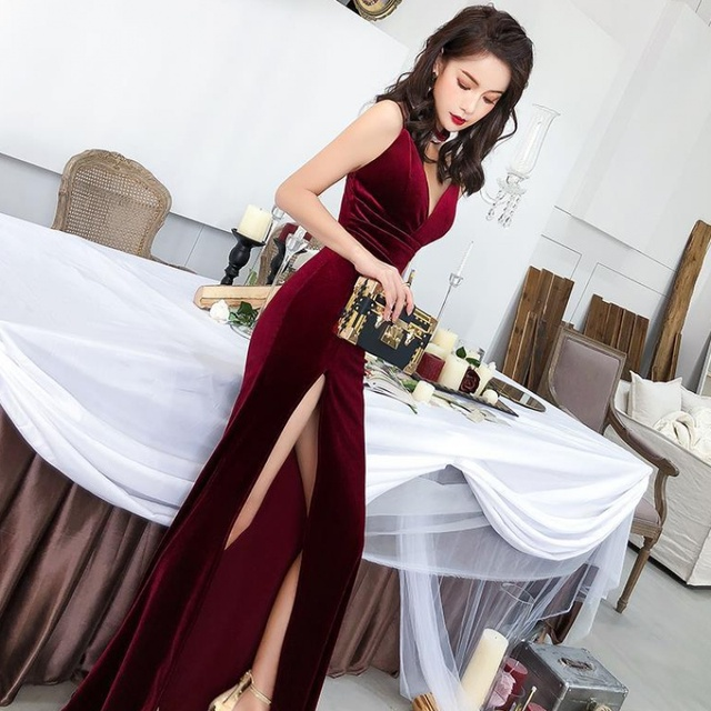 Female 2020 Fashion Sexy Aura Sling Queen Temperament Red   V-neck Office Lady  Polyester  Sleeveless 2