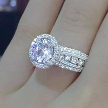 Diamond ring Womans ring ring Luxury jewelry emerald Gypsophila inlaid with large female couple Jewelry ring Costume rings F033