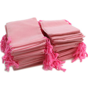 Image 3 - 100pcs 7x9cm Velvet Drawstring  /Jewelry Christmas/Wedding Gift Bags Black Red Pink Blue 5 Color Wholesale
