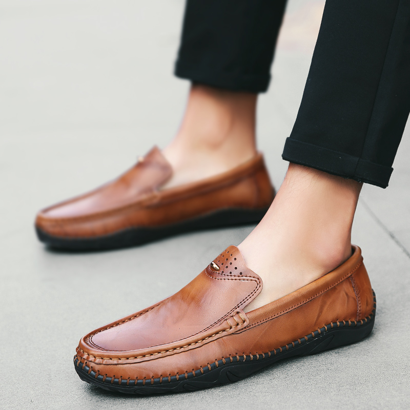 2019 New Casual Men Shoes Fashion Lazy Male Loafers Simple Flat Peas Shoes Men Breathable Driving Shoes Male Plus Size HC-439