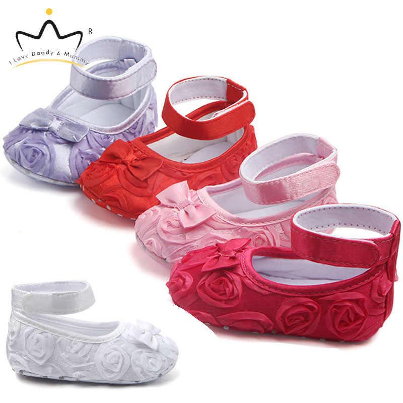 Кружевная обувь с розами для новорожденных; обувь принцессы для девочек; нескользящая Мягкая хлопковая обувь для маленьких девочек; обувь для малышей