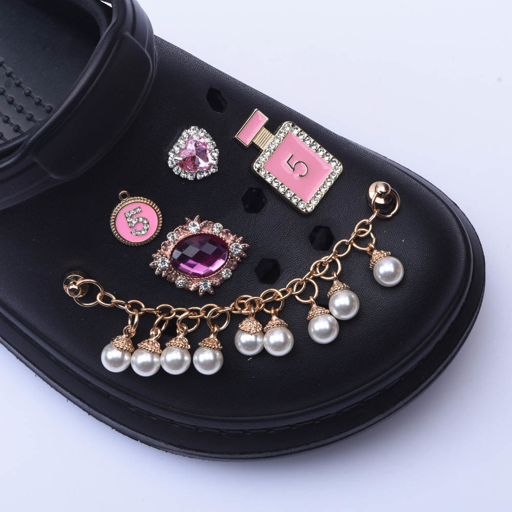1pcs New Designer Chain Croc  Charms  JIBZ Accessories Decoration for Croc Shoes Pendant Buckle for Gift