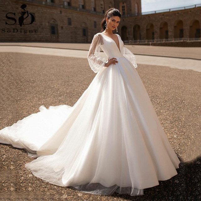 Simple 2021 Wedding Dresses Sexy V Neck Removable Long Sleeves Vintage Satin Wedding Gowns Backless Beach Bridal Dress 1
