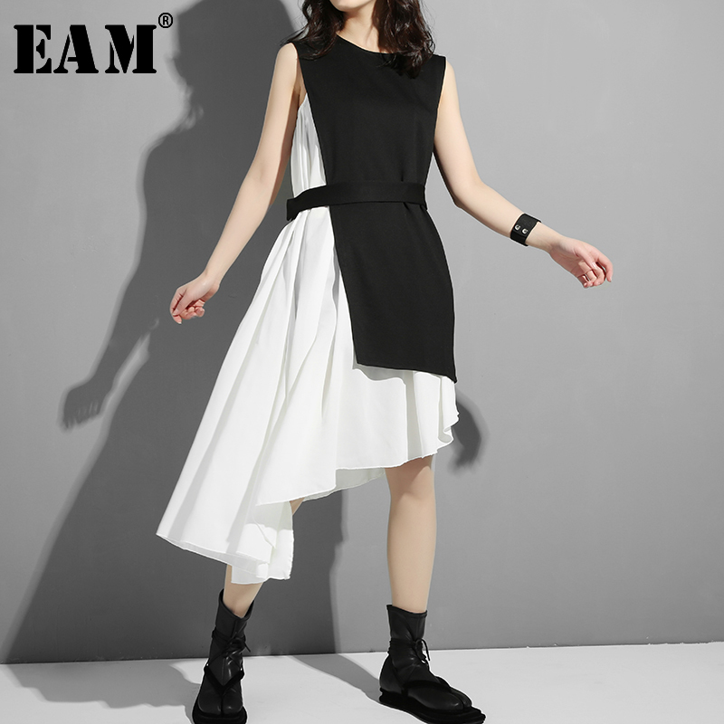[EAM] Women Black Asymmetrical Split Two Piece Dress New Round Neck Long Sleeve Loose Fit Fashion Tide Spring Autumn 2020 45491S
