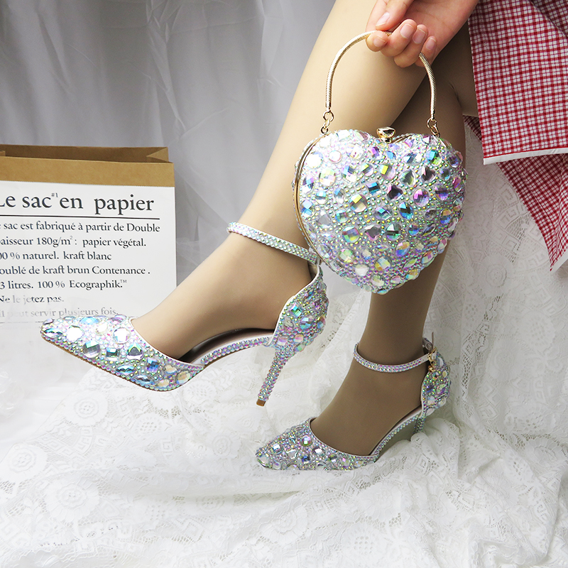 Amore Momenti AB scarpe Da Sposa di cristallo 9 centimetri Dolce del partito Tacchi scarpe Donna scarpe Da Sposa scarpe con i sacchetti di corrispondenza borse di Cuore e scarpe-in Pumps da donna da Scarpe su  Gruppo 1