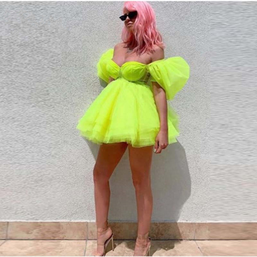 Bright Green Fashion Tutu Short Cocktail Dresses 2020 Off The Shoulder Mini Homecoming Dresses Puffy Party Homecoming Dress