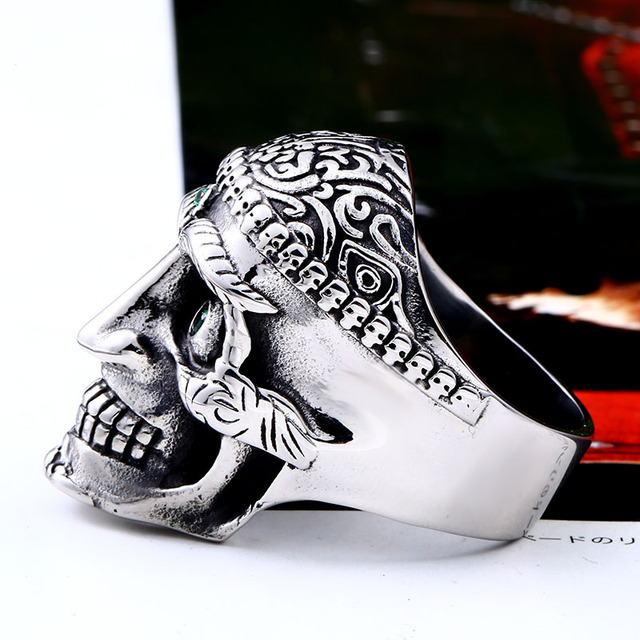 STAINLESS STEEL SKULL GREEN EYES RINGS