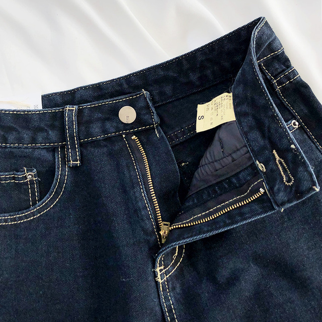 Baggy Jeans in dark blue