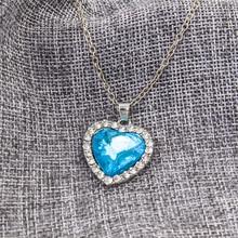купить Japan and South Korea 2019 autumn and winter ocean heart necklace blue stone pendant simple sweater chain ladies necklace дешево
