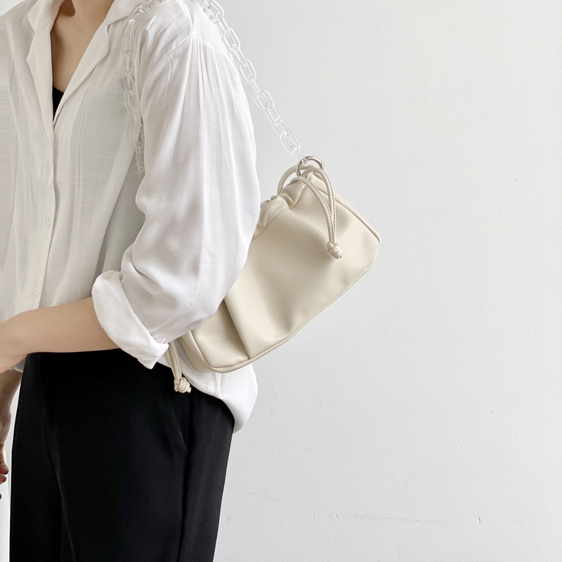 2020 New Female Drawstring Small Baguette Bag Brand Designer Luxury Handbags Women Acrylic Chain Clouds Bag Ladies Shoulder Bag
