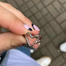 2021 Punk Ancient Hollow Heart Ring Chain Thorns Entanglement Rings Love Women Girls Wedding Hip-hop Jewelry Party Gift