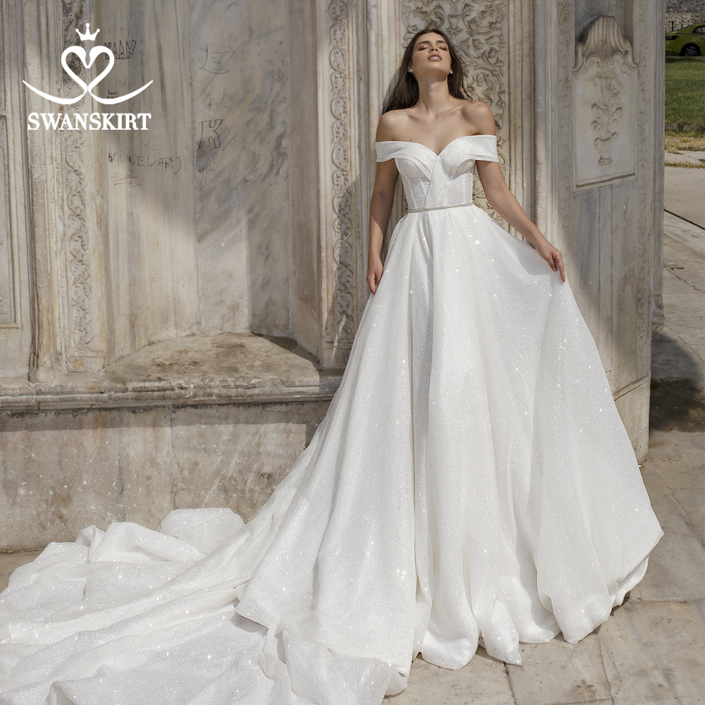 Stunning Off Shoulder Wedding Dress 2019 Swanskirt Sweetheart Backless Crystal A Line Bride grown Princess vestido de noiva DY01-in Wedding Dresses from Weddings & Events