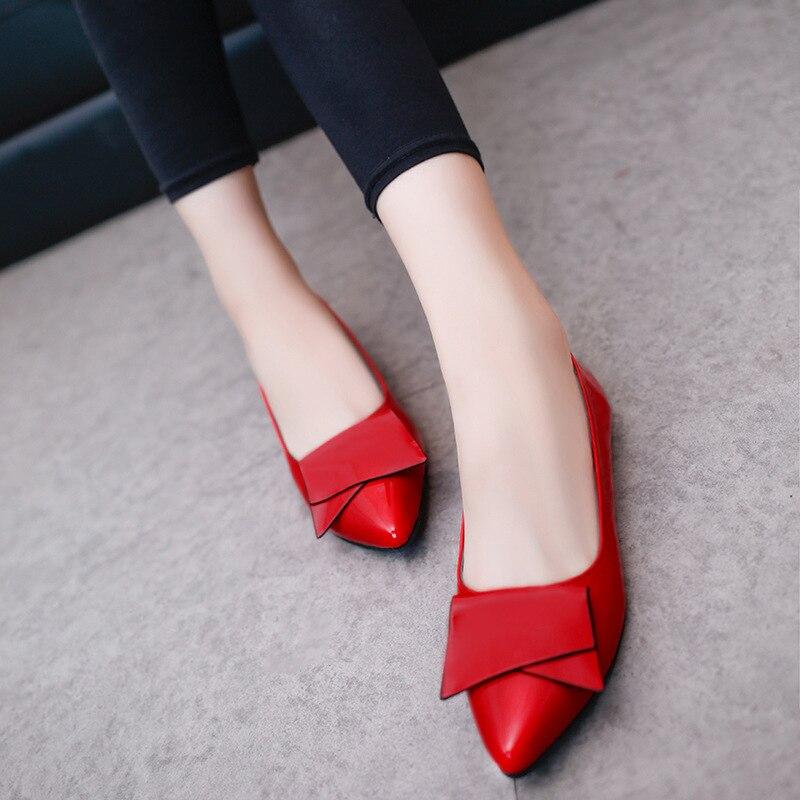 Zapatos de mujer 2017 verano y otoño nuevo estilo zapatos puntiagudos arco que cubre los pies zapatos pequeños de estilo coreano de boca baja Fl de las mujeres