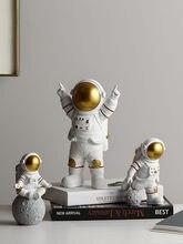 Sala de estar decoração para casa acessórios nordic decoração para casa estatuetas decoração de mesa astronauta ornamento plana volta resina em miniatura
