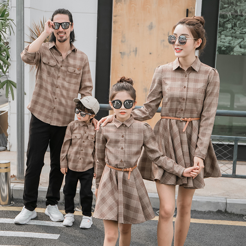 Family Matching T- Shirts Long Sleeve Blouse Mommy Daddy And Me Clothes Mother Father Son Kids Baby Clothes Mom Daughter Dresses