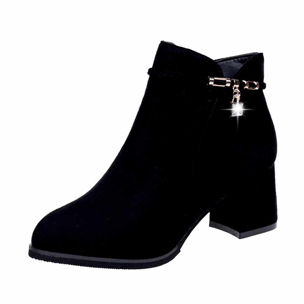 Kadın toka fermuar kare kök topuklu süet yarım çizmeler kadınlar için kristal Padent zarif kış akın çizmeler chaussures femme