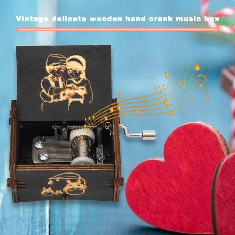 彫刻木製ハンドクランク型レトロなオルゴール木材マニュアル子供キッズ誕生日プレゼントオルゴール家の装飾のためのギフト