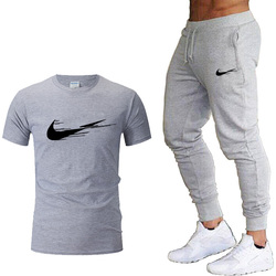 2020 Trainingspak Mannen Sets Mannelijke Sweatshirt + Broek Zomer Mannen Korte Mouw T-shirt Broek Casual Suits Sportkleding Heren kleding
