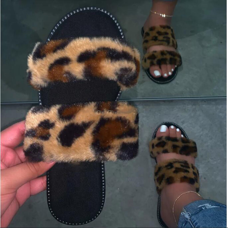 2020 Fashion Pink Furry Slides For Women Designer Slides New Spring Plush Slippers Fluffy Furry Slippers Leopard Sandals PVC
