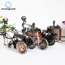 Strongwell Retro Tractor Model Ornaments Home Decoration Accessories Wrought Iron Handmade Texture Metal Slidable Rotation