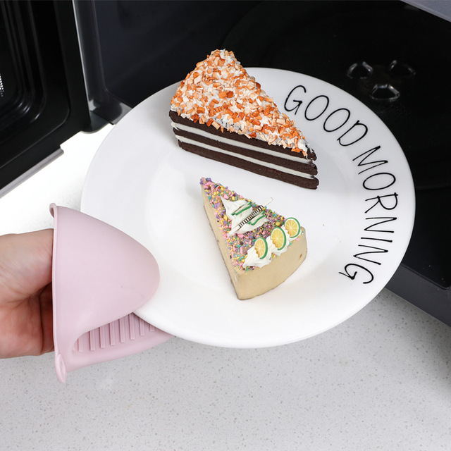 2PCS Silicone Hand Clip For Kitchen Helper Heat Insulation Gloves Baking Tools microwave oven mitts pot holder protection 3