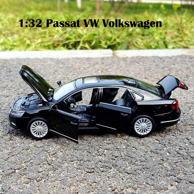 Diecast ölçekli 1:32 Passat VW Volkswagen Metal oyuncak araba modelleri 6 açılabilir kapılar Model ses ve işık geri çekin SUV oyuncaklar çocuklar için