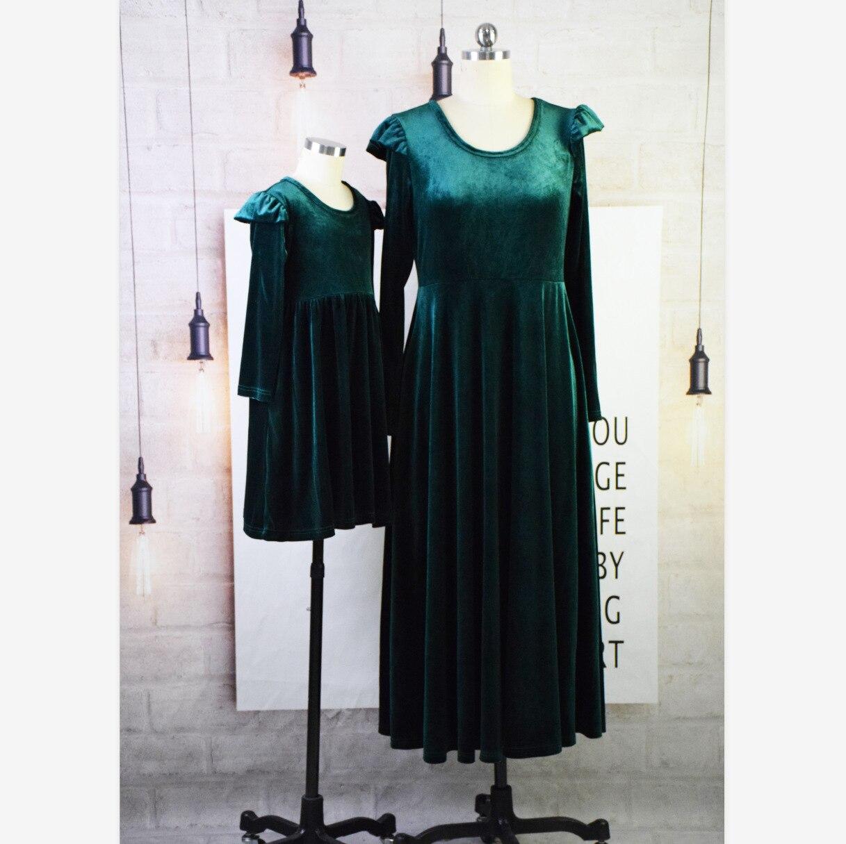 Image 5 - 3XL облегающее женское бархатное платье, модное осенне зимнее платье, повседневное ТРАПЕЦИЕВИДНОЕ ПЛАТЬЕ средней длины с круглым воротником и длинным рукавом, элегантные платья Vestidos-in Платья from Женская одежда on AliExpress