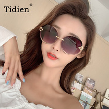 Oversized Vintage Women Sunglasses 2019 Luxury Brand Driver Shades for Steampunk Designer Mirror Ladies Fashion Diamond