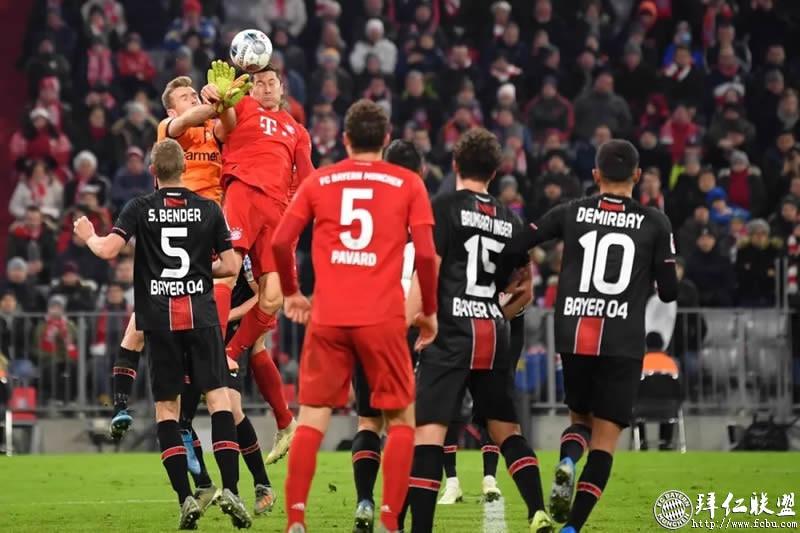 德甲第13轮 拜仁1:2勒沃库森 门柱挡住胜利之门7