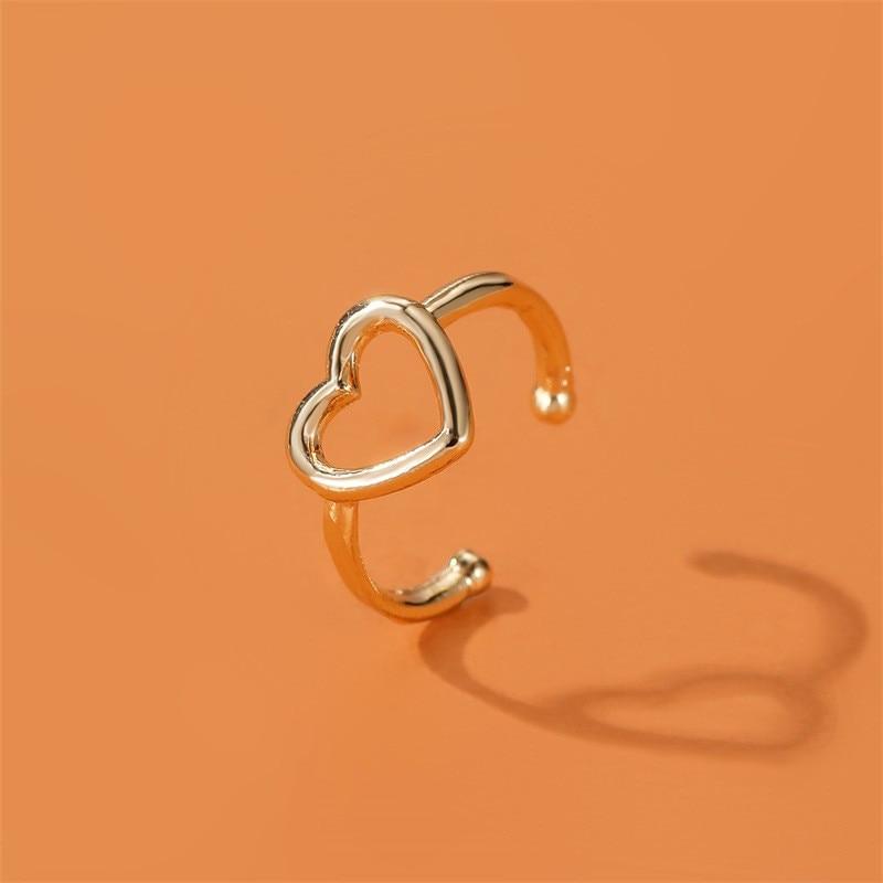 Creative Hollow Out Love Heart Earring Simple Sweet Heart Shape Earring No Ear Holes Ear Clip Earrings Fashion Jewelry Gift 2020