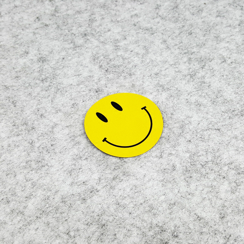GalonDeco Cartoon Smile Face Cute Yellow Emoticons Reflective Car Stickers Motorcycle Sticker Decals 7x7cm image