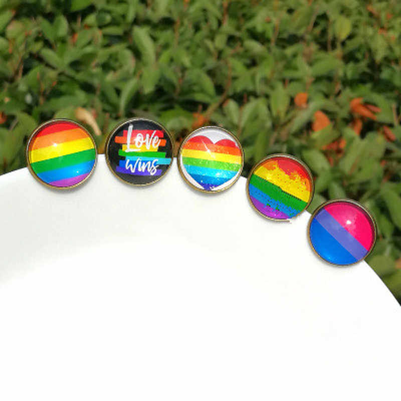 1PCs LGBT Pride Rainbow Heart Pin back Button Badge Gay Lesbian Symbol Pin Love Is Equal DIY Apparel Alpaca Sewing Accessories
