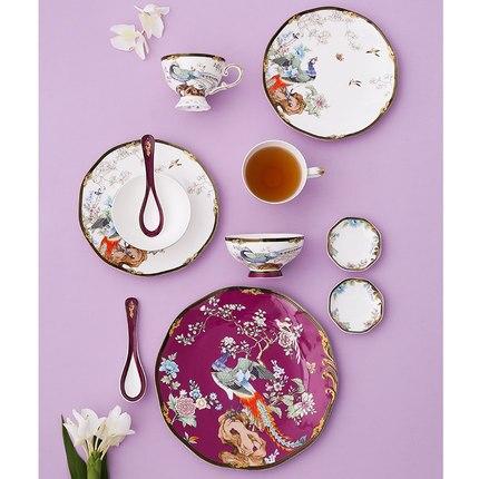 Vaisselle en céramique net rouge maison créative chine style os chine vaisselle bols et assiettes 2 personnes présentent des cadeaux de mariage