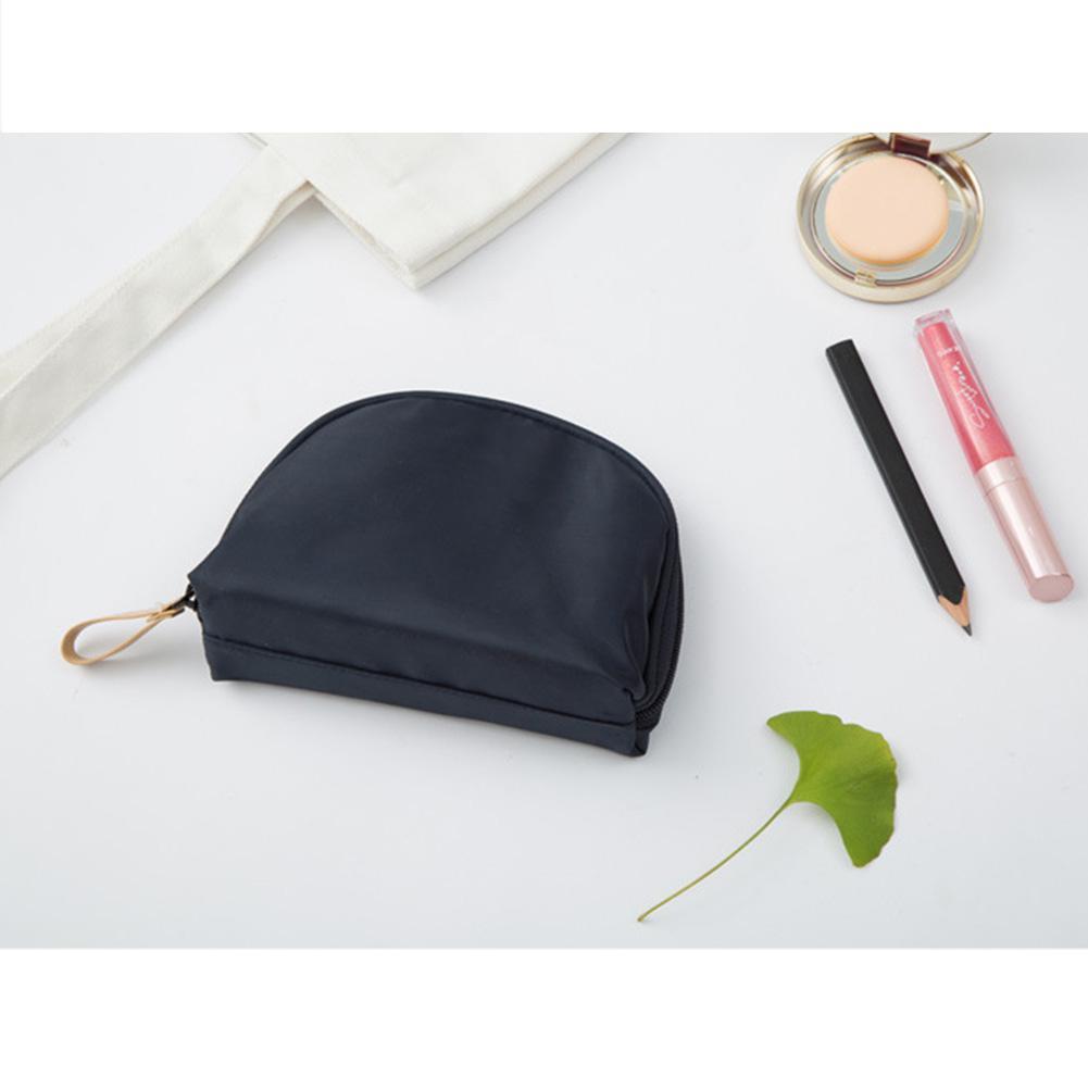 1 Pcs Waterproof Large-Capacity Shell Shape Makeup Bags Portable Women Small Semicircle Shell Shape Travel Cosmetic Handbag