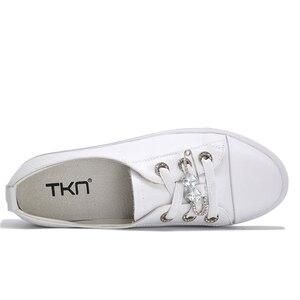 Image 2 - Tkn 秋白靴女性フラット革の靴女性のレースアップレディースコンフォートホワイトボード靴カジュアル女性スニーカー女性
