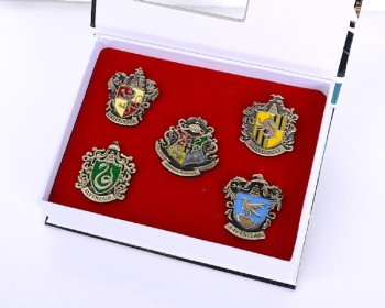 Fashion Potter Badge Slytherin Ravenclaw School Symbol Metal Badge Pin Brooch Chespin Costume Accessory Button Ornament Gift Hot image