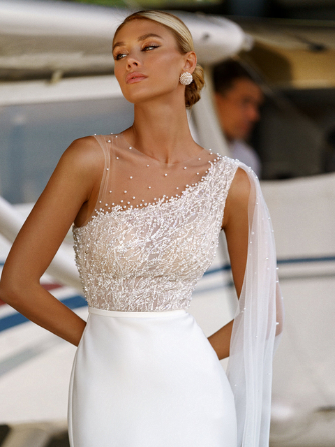 Classic Mermaid Wedding Dresses Scoop Button Appliqued Beading Pearls Sexy Elegant Off Shoulder Illusion 2021 New Bridal Gowns 2