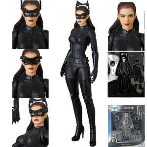 15cm Mafex No.009 DC Comics The Dark Knight Rises Catwoman Selina Kyle Action Figure Collectible Toys