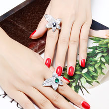 Женское кольцо с кленовым листком большое цветным кристаллом