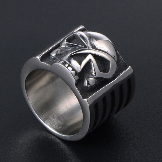 STAINLESS STEEL GHOST SKULL RING